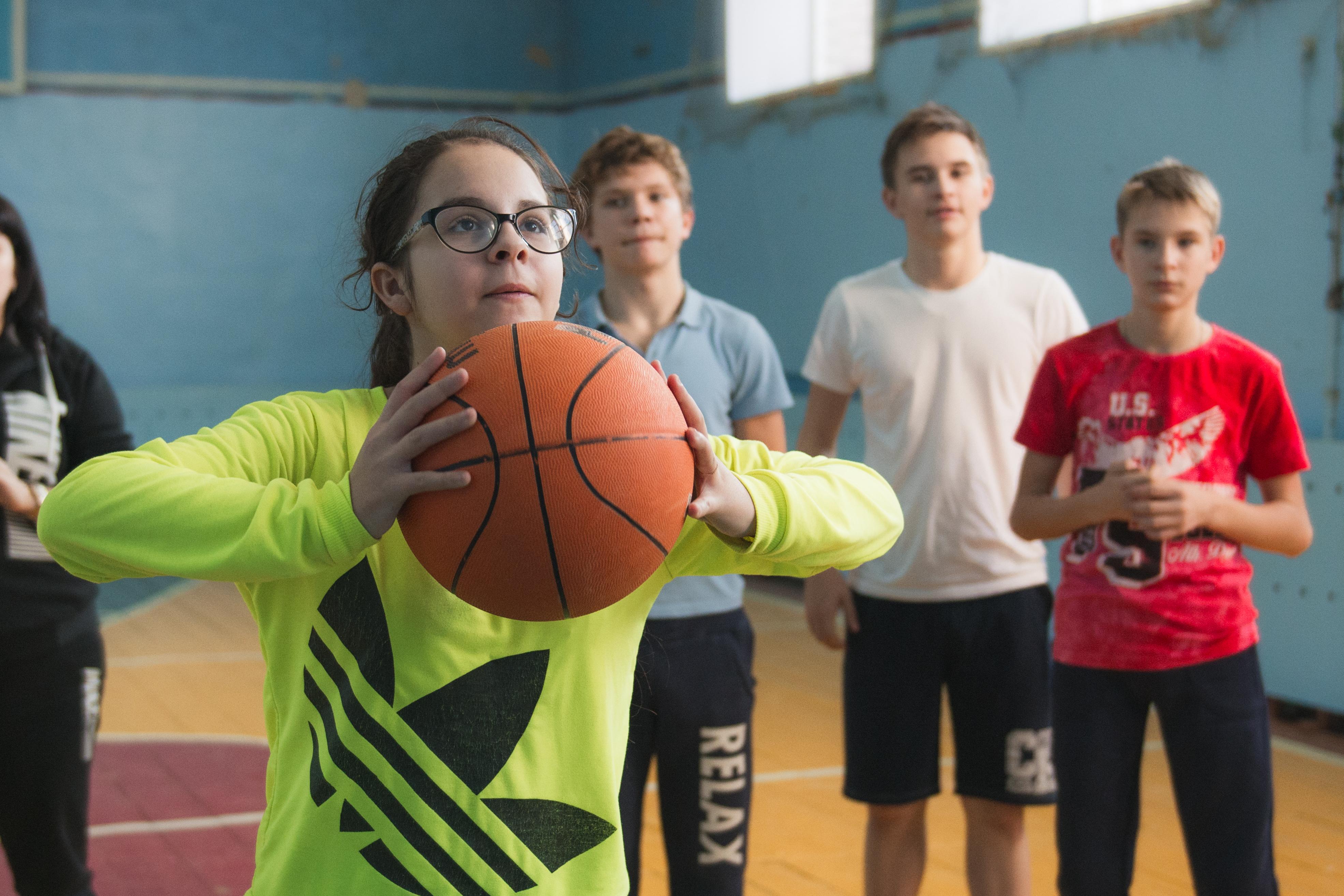 Компания Allcorrect закупила спортинвентарь для сельской школы